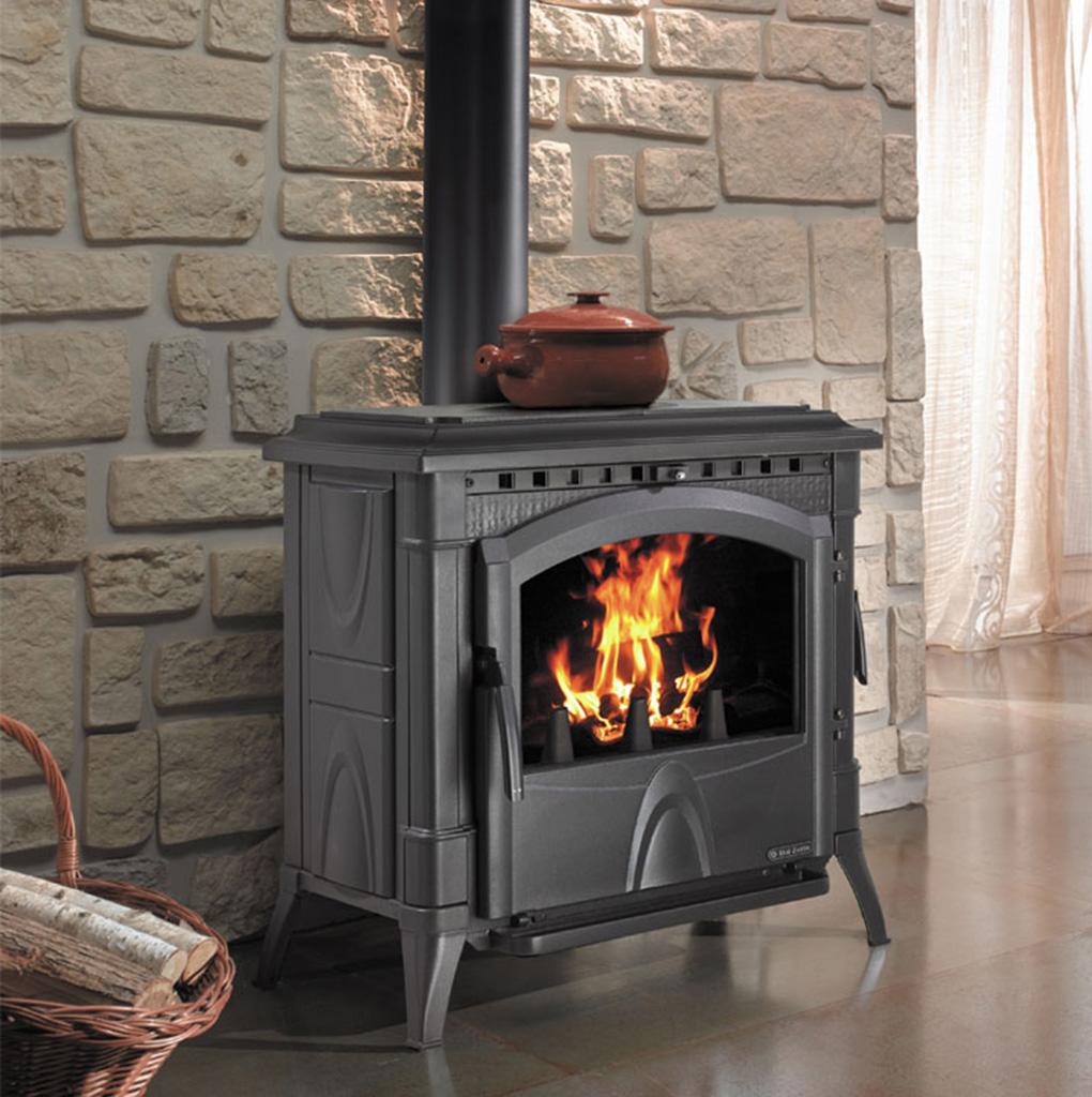 stufa a legna 12 kw totalmente in ghisa dal zotto. Black Bedroom Furniture Sets. Home Design Ideas